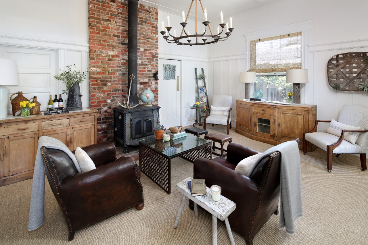 sonoma airbnb living room
